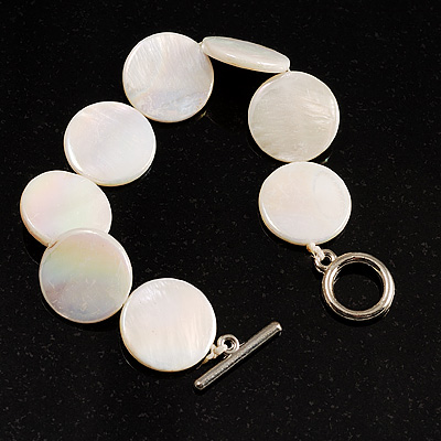 Flat Round Disc Shell Bracelet On The Cotton Thread (White)