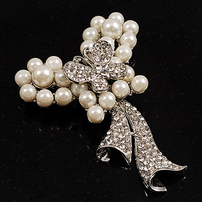Elegant Pearl Style Crystal Butterfly Brooch