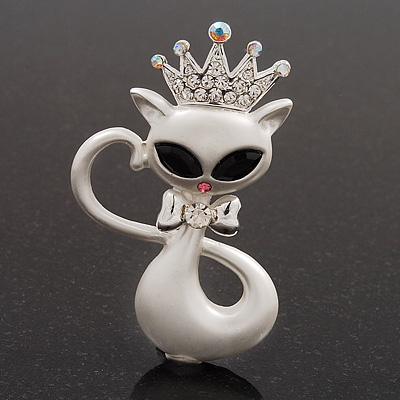 White Enamel &#039;Kitty In The Crown&#039; Brooch - 5.5cm Length