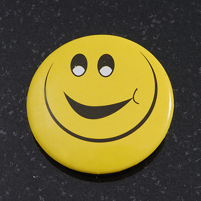 Very Happy Smiling Face Lapel Pin Button Badge - 3cm Diameter - main view