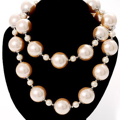 Multi-Sized Lustrous Pearl Style Necklace - main view