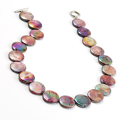 Lustrous Lilac Green Colourful Shell Disk Necklace On The Cotton Thread