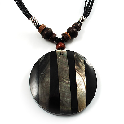 Round Stripy Shell Cotton Cord Pendant Necklace