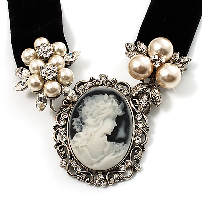 Stunning Pearl Cameo Black Velour Ribbon Necklace (Silver Tone)