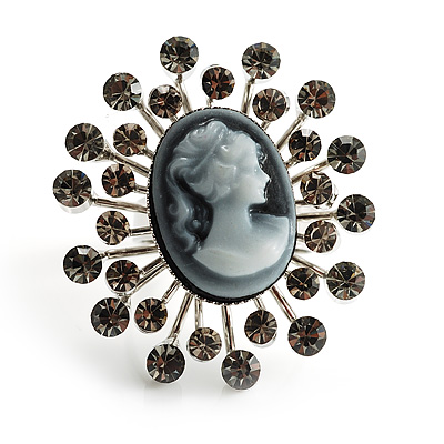 &#039;Classic Lady&#039; Cameo Diamante Ring